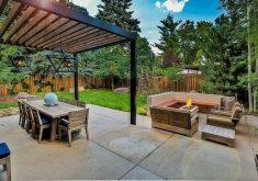 Gartenbank Mit Dach Holz Betonplatten Laterne Kamin