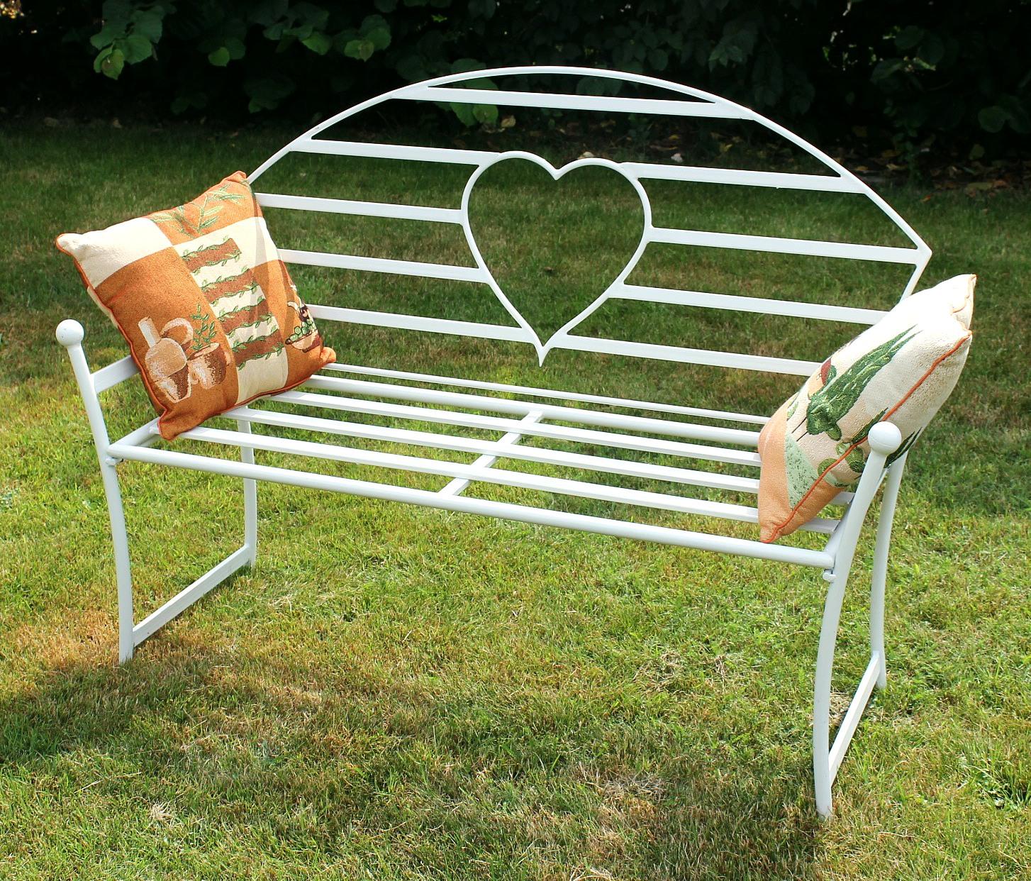 Gartenbank Metall Weiß Mit Herz 122cm Love Motif Design