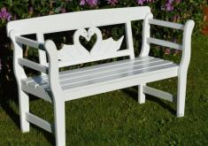 Weiße Gartenbank Mit Einem Schönen Geschnitzten Entwurf Krane