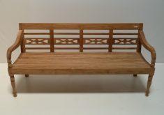 Gartenbank 4 Sitzer Teak Mit Rückenlehne Und Arme in Form Von Holzschnitzerei Künstlerischen Und Attraktiv